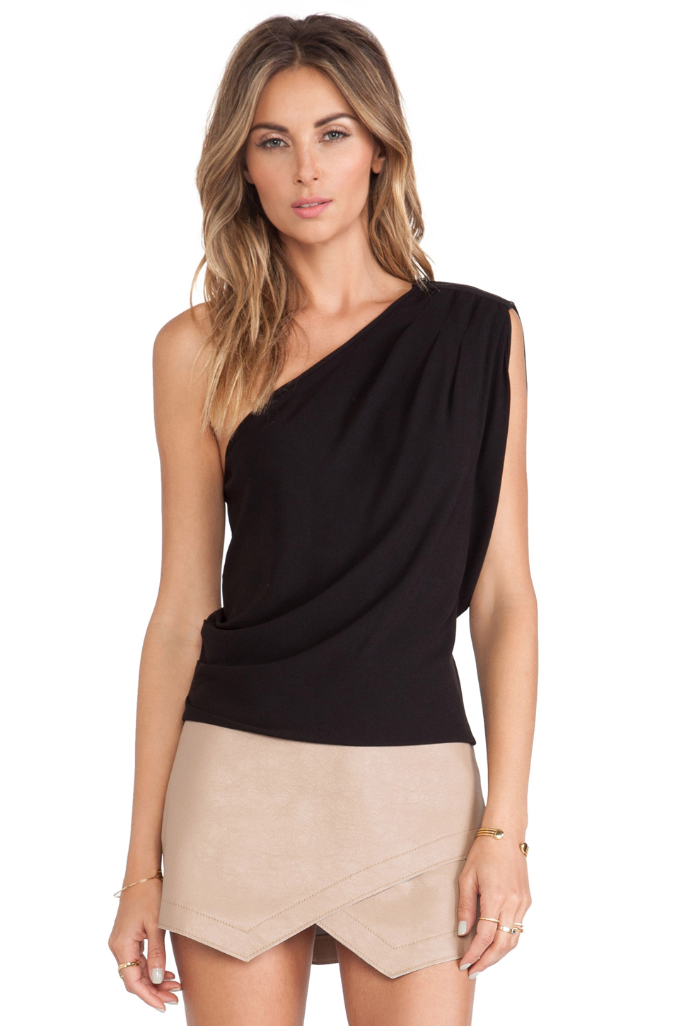 One Shoulder Tops. One-shoulder tops have a modern, contemporary feel to them, making them ideal for freshening up everyday outfits such as worldofweapons.tk slinky sleeveless one-shoulder designs to floaty batwings and long sleeves, there's a style for every occasion that'll make you feel amazing.
