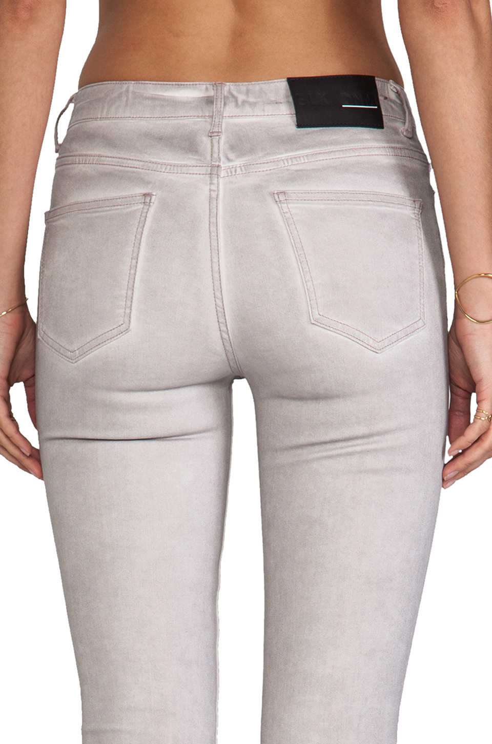 BLK DNM Jeans 4 in Dusty Pink