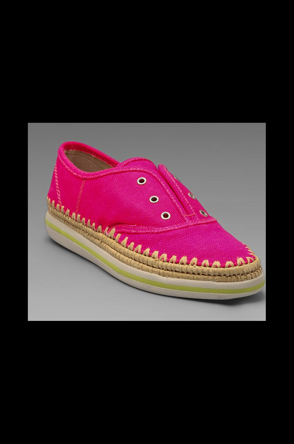 Boutique 9 Sneaker in Pink