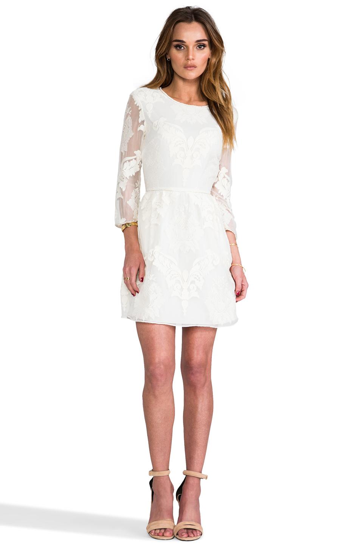 Dolce Vita Valentina Victorian Embroidery in White