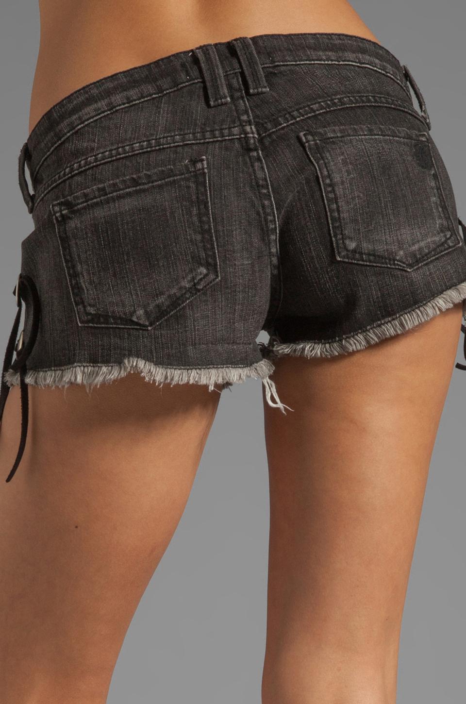 Frankie B. Jeans Slinger Short in Black Vintage