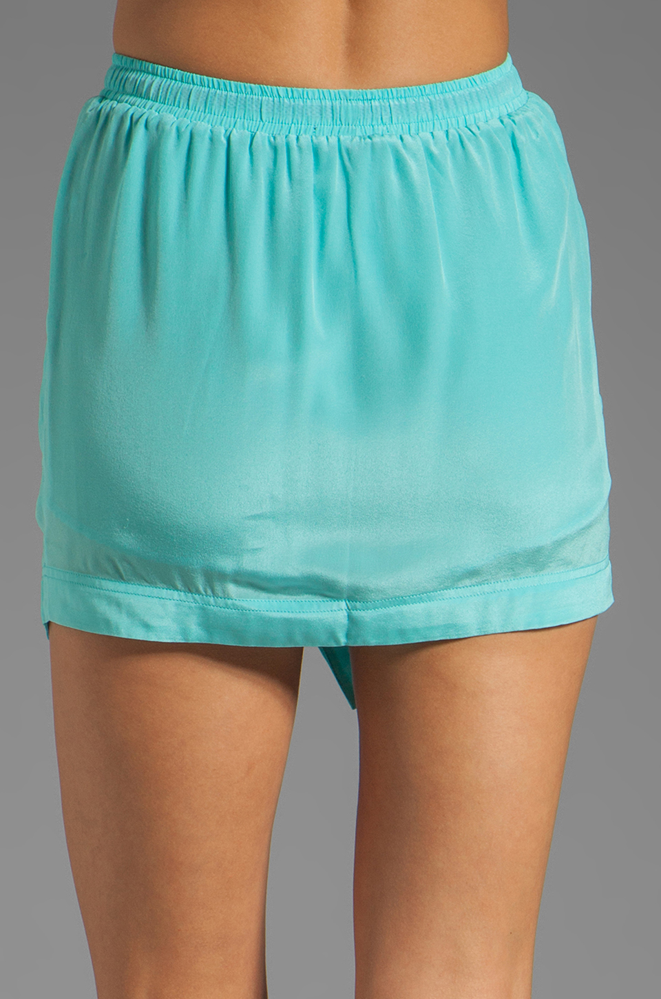 Funktional Achromatic Drawstring Skort in A-Sky