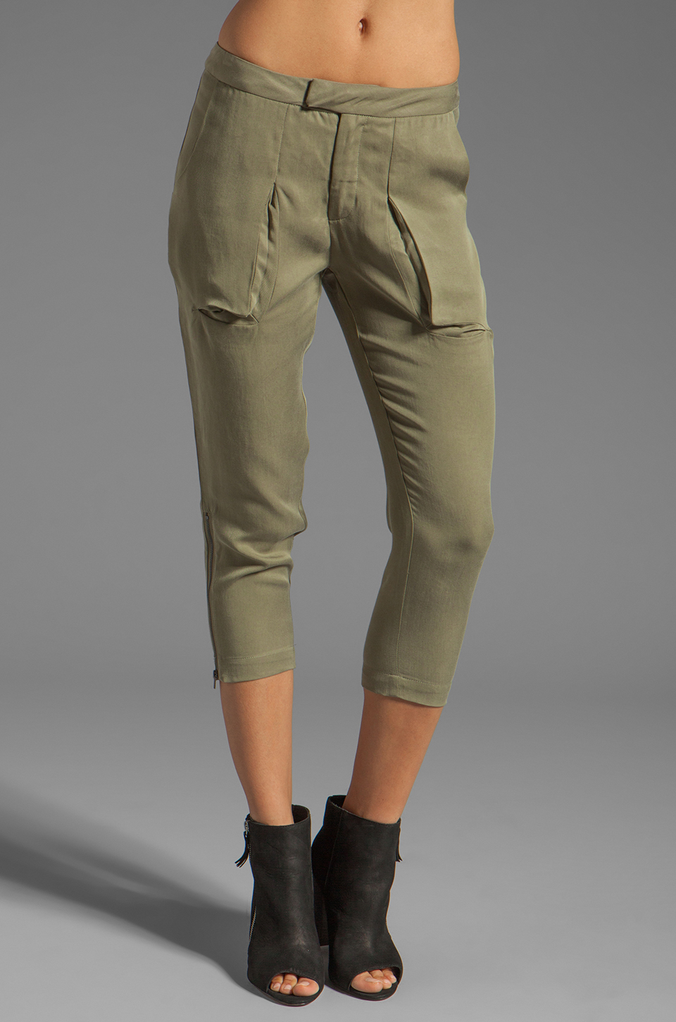 Funktional Slit Pocket Pants in Olive Opacity