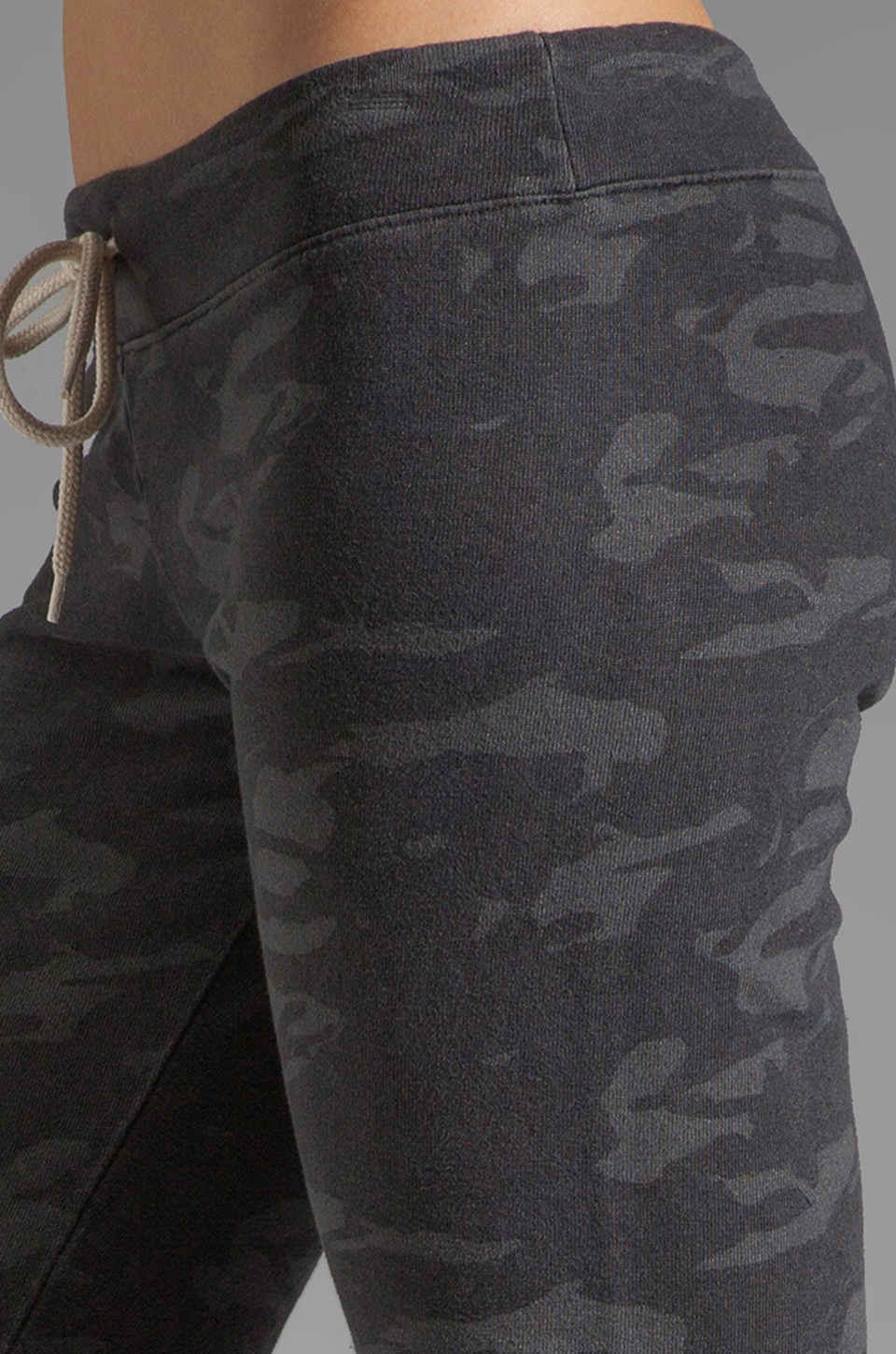 MONROW Camo Print Vintage Sweats in Vintage Black