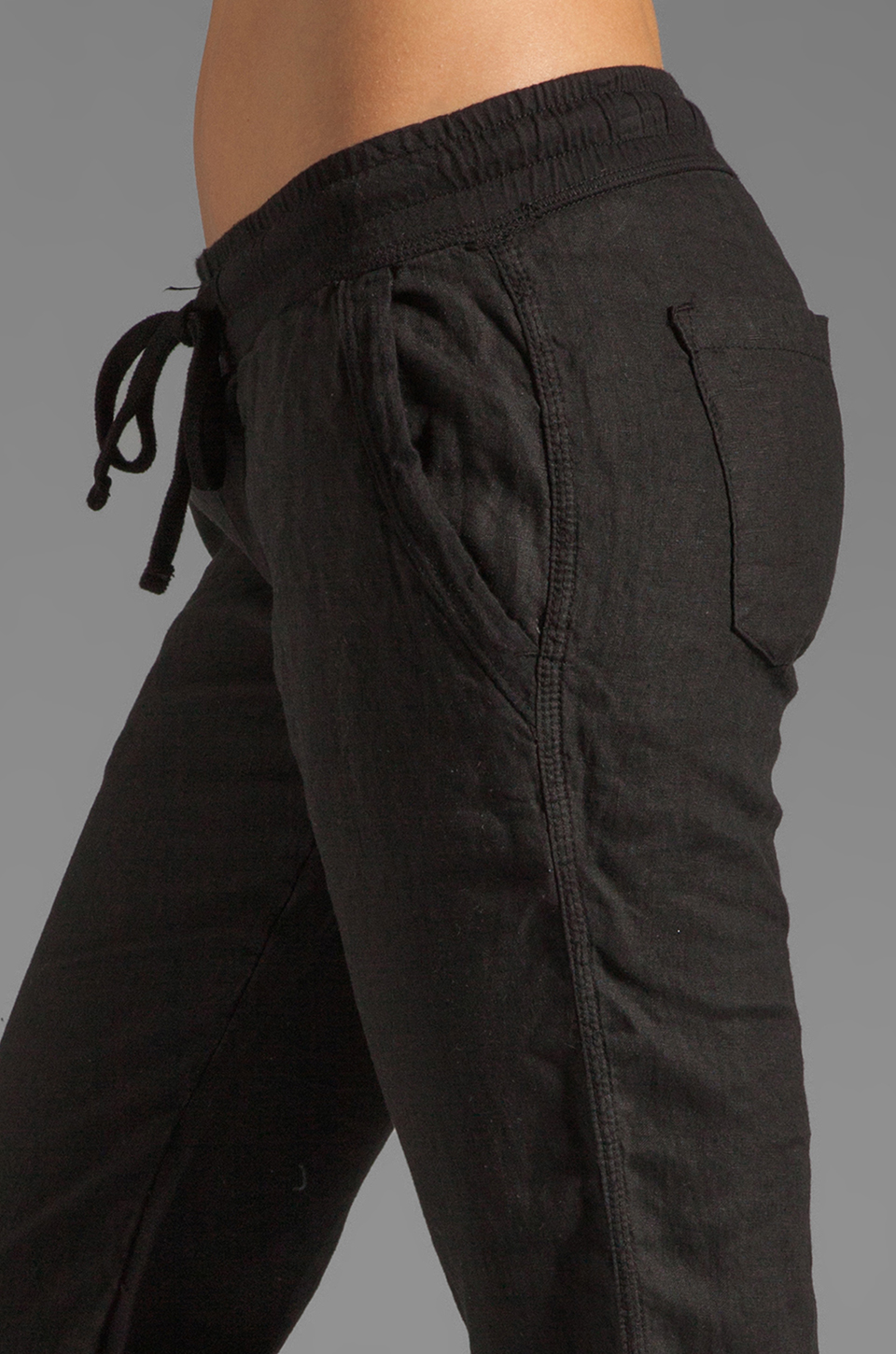 James Perse Tailored Linen Pant in Black