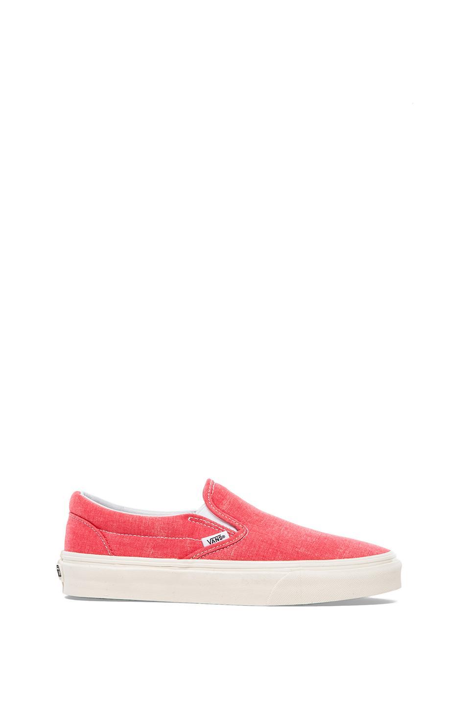 Vans Classic Slip-On Sneaker in Coral