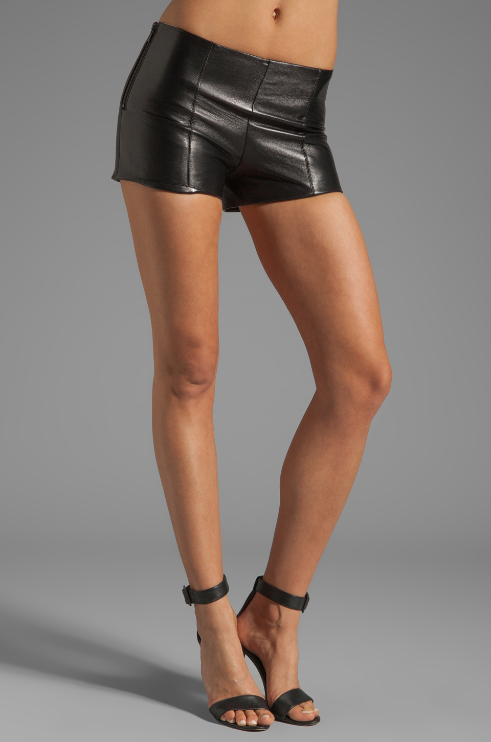 VEDA Lofi Leather Shorts in Black